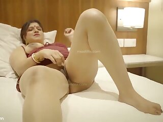 Bechain bhabhi fixing one