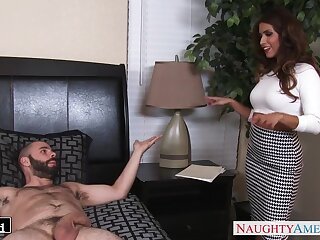 Ladies' fucks wife's best friend Isabella De Santos in mouth and pussy
