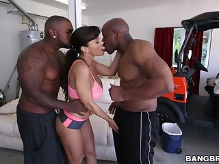 MILF gets her dose be fitting of BBC in a threesome hardcore