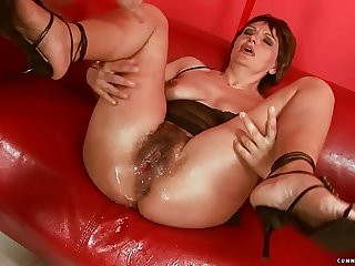 Squirting big dildo mature