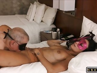 Mature dude abrading pussy upstairs holiday