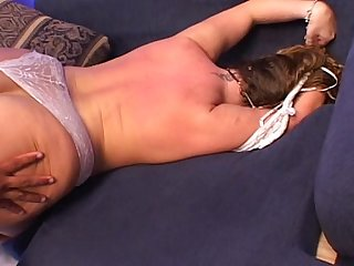 Big ass mature slut gets fucked really hard