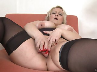 Fat ass mature trinket fucks pussy and ass in perfect solo tryout