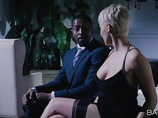 Mature tries BBC adjacent to her tiny holes after a munificence sweet talk