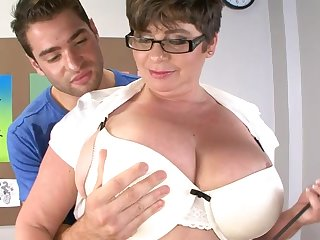 Handsome dude got his dick tuged and pleasured by heavy Kriss Kelly