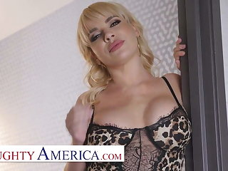 Naughty America - Dana DeArmond will satisfy Robby's Mommy i