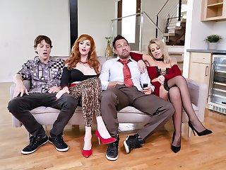 Foursome XXX strip show with  the Bundy Family