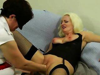 Pulchritudinous Blonde Anal Fisting Toying