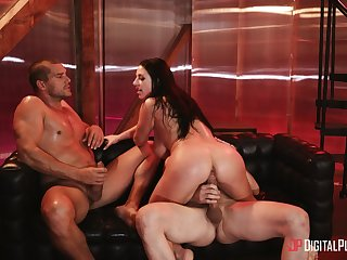 Chesty Angela White loves feeling dick impenetrable depths during hot MFM shagging