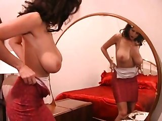 Beamy nipple Brazilian MILF masturbate