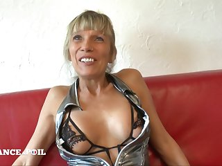 Heavy-Breasted Mommy Bawd Amateur Sex