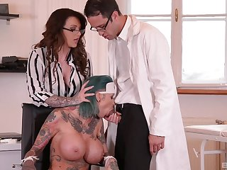 Moot babe Calisi Ink gets fucked plus Harmony Reings
