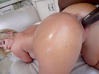 Big-chested kermis Savannah Bond gets a long black dick deep inside