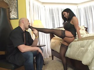 Thick looker amazes close to how nasty she can fuck